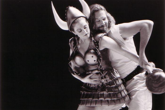 Julianne Moore and Jeff Bridges in The Big Lebowski (1998)