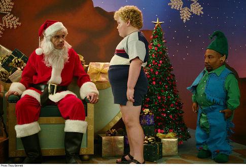 Billy Bob Thornton, Tony Cox, and Brett Kelly in Bad Santa (2003)