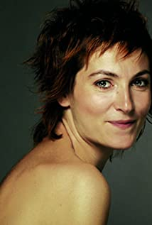 Yelda Reynaud Picture