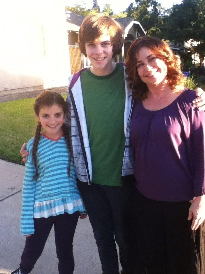 Julie Warner, Eva Bella, and Jay Jay Warren in Maron (2013)