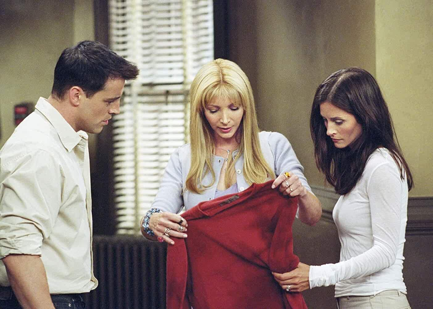 Courteney Cox, Lisa Kudrow, and Matt LeBlanc in Friends (1994)
