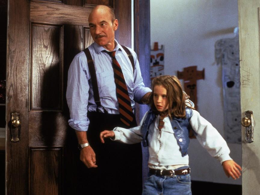 Patrick Stewart and Katie Stuart in Masterminds (1997)