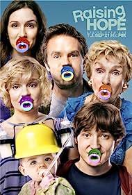 Martha Plimpton, Cloris Leachman, Garret Dillahunt, Shannon Woodward, and Lucas Neff in Raising Hope (2010)