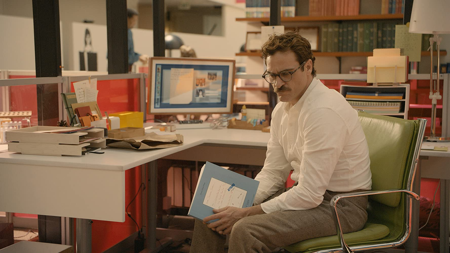 Joaquin Phoenix in Her (2013)