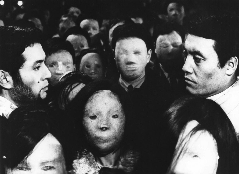 Mikijirô Hira and Tatsuya Nakadai in Tanin no kao (1966)