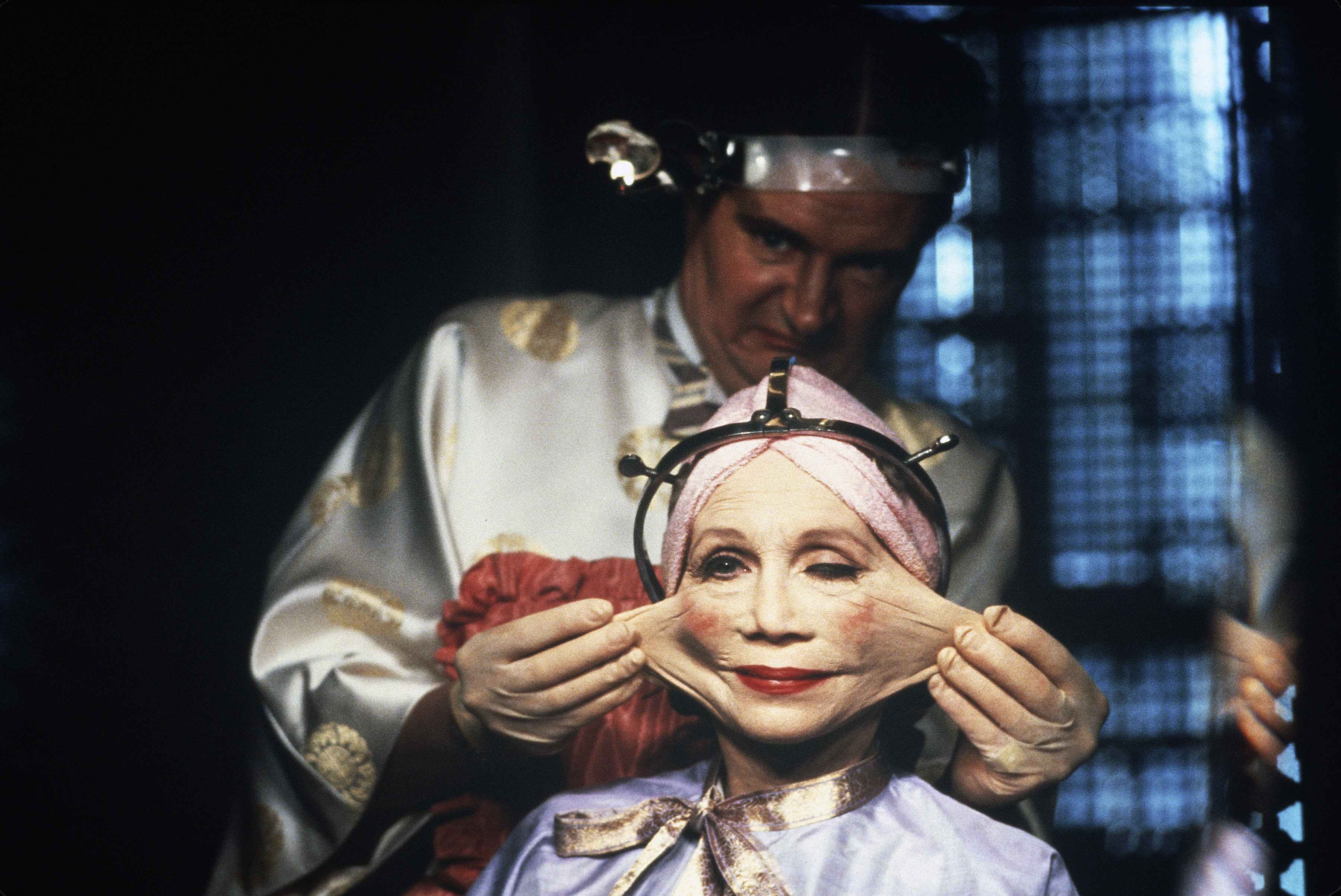 Jim Broadbent and Katherine Helmond in Brazil (1985)