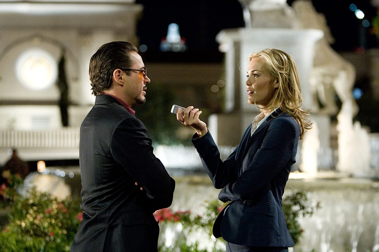 Robert Downey Jr. and Leslie Bibb in Iron Man (2008)