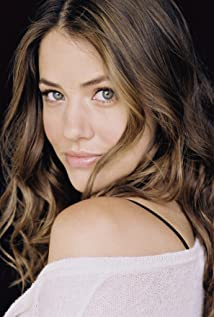 Julie Gonzalo Picture