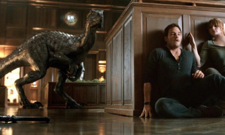 Bryce Dallas Howard and Chris Pratt in Jurassic World: Fallen Kingdom (2018)
