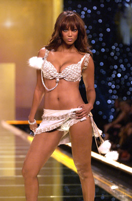 Victoria's Secret Fashion Show - Wikipedia 94