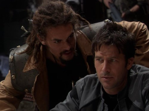 Joe Flanigan and Jason Momoa in Stargate: Atlantis (2004)