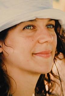 Daniela Saioni Picture