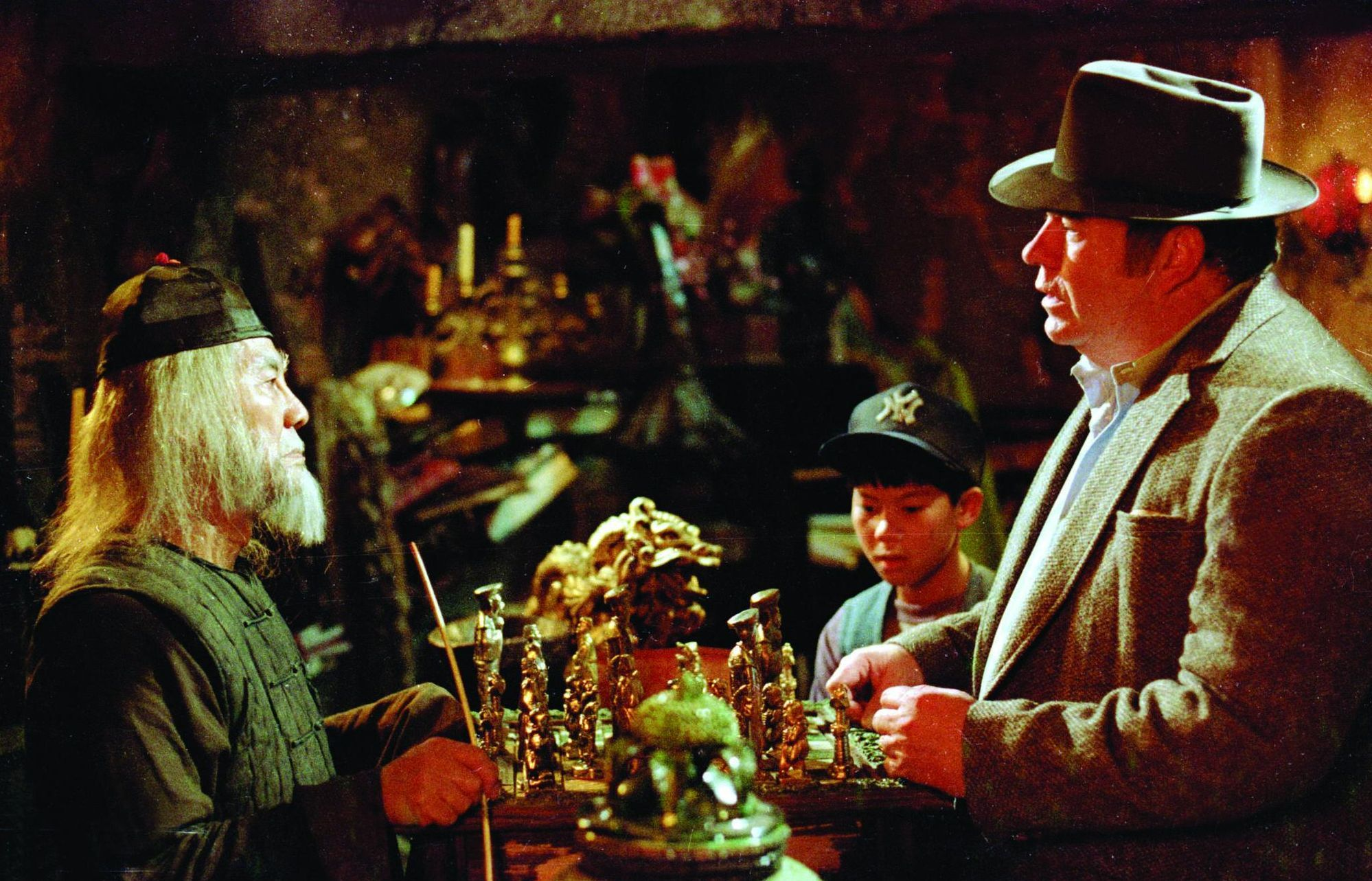 Hoyt Axton, John Louie, and Keye Luke in Gremlins (1984)