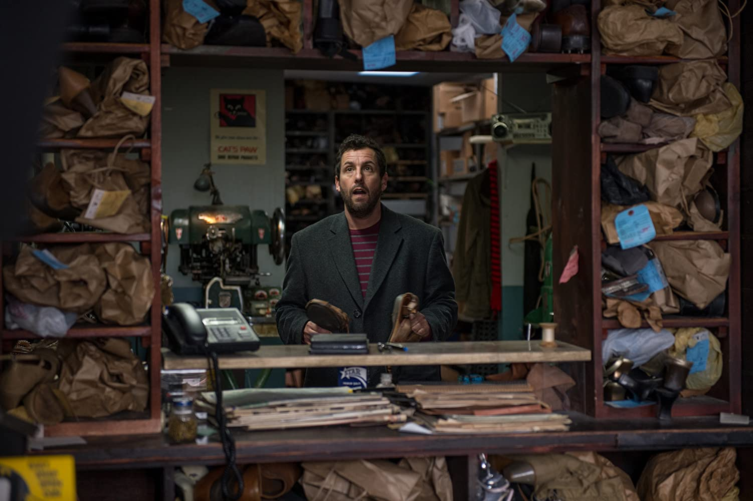 Adam Sandler dalam The Cobbler (2014)
