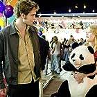 Emilie de Ravin and Robert Pattinson in Remember Me (2010)