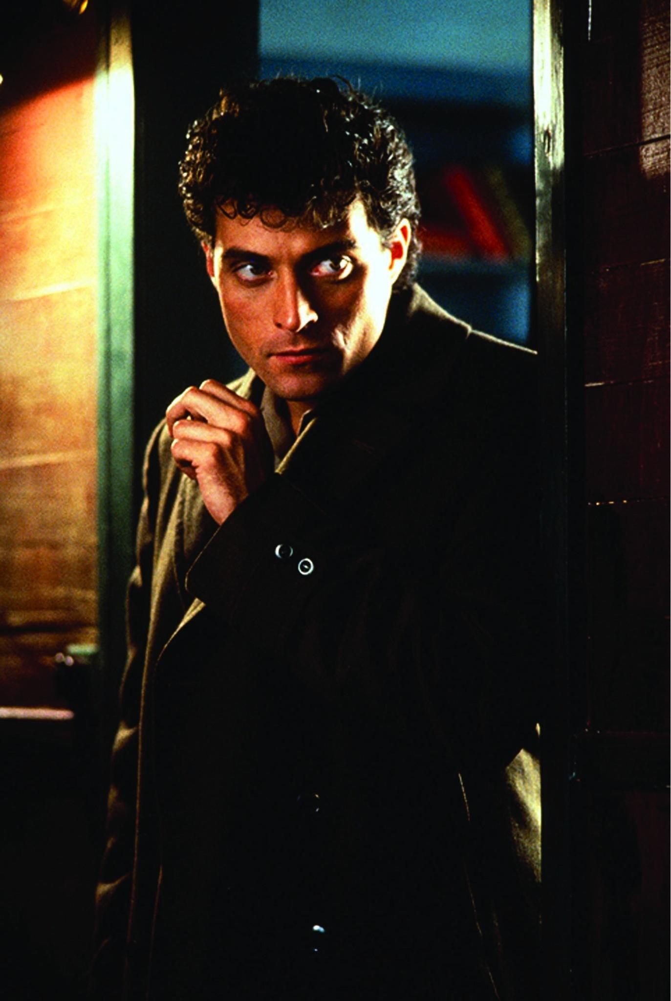 Rufus Sewell in Dark City (1998)