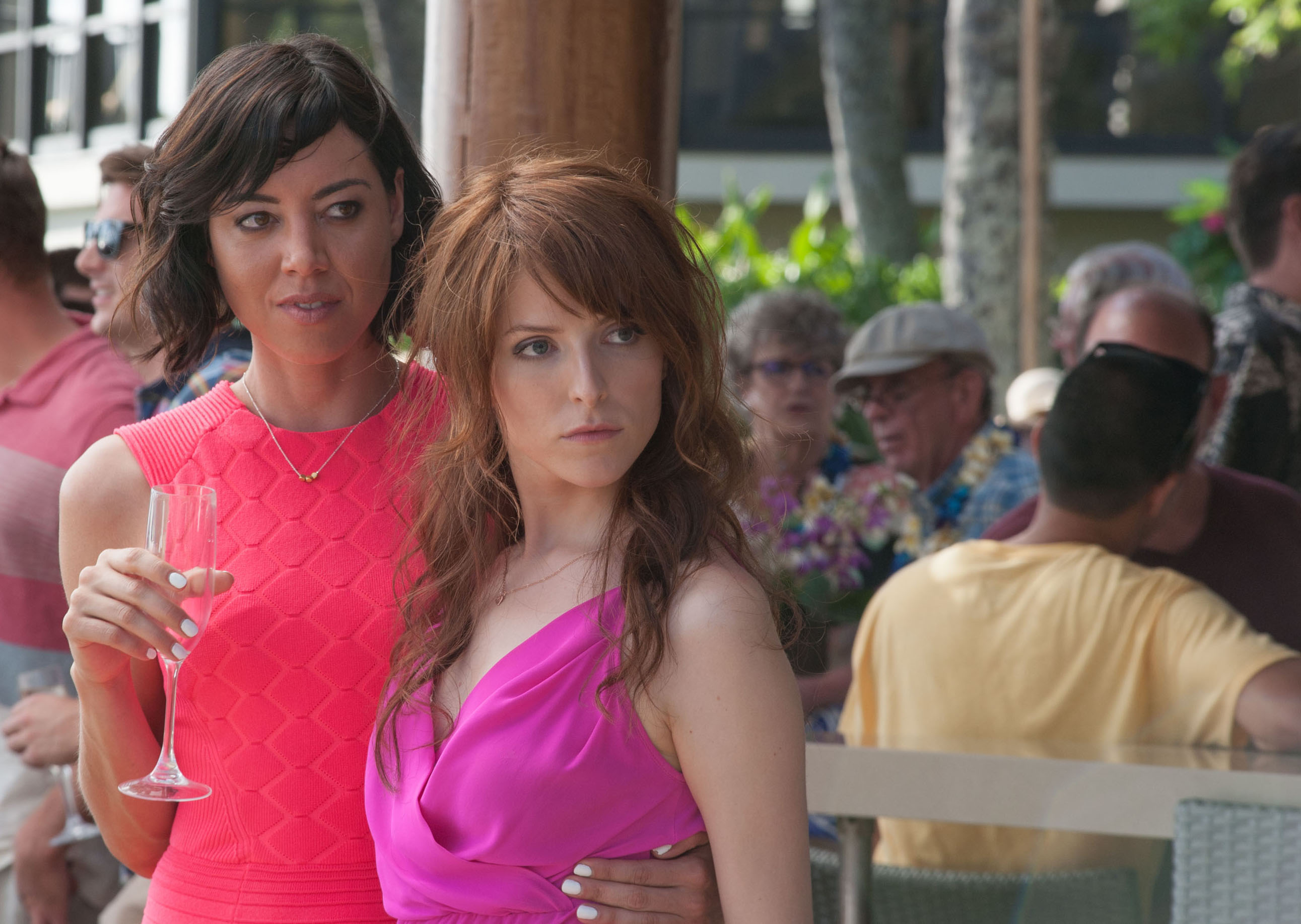 Anna Kendrick and Aubrey Plaza in Mike and Dave Need Wedding Dates (2016)