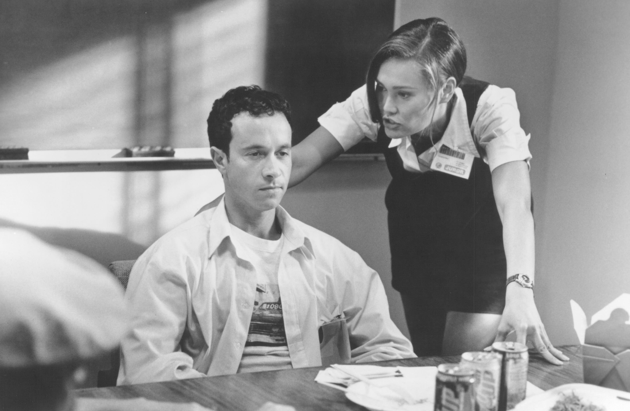 Tia Carrere and Pauly Shore in Jury Duty (1995)