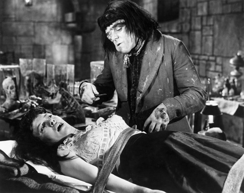 Barbara Burke and Victor Maddern in Blood of the Vampire (1958)