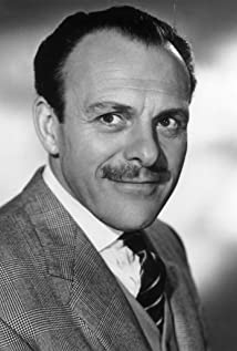 Terry-Thomas Picture
