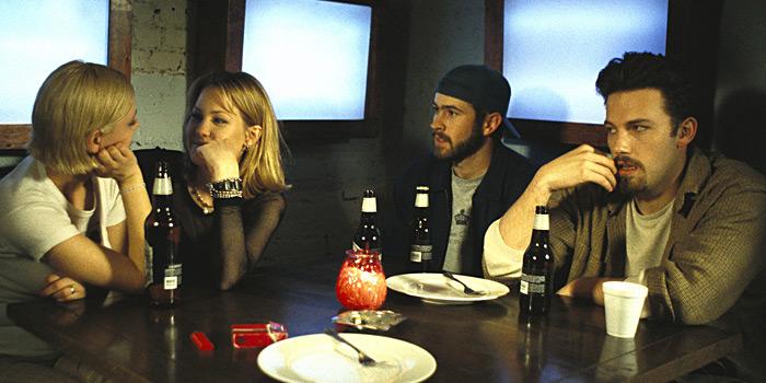 Ben Affleck, Joey Lauren Adams, Jason Lee, and Carmen Llywelyn in Chasing Amy (1997)