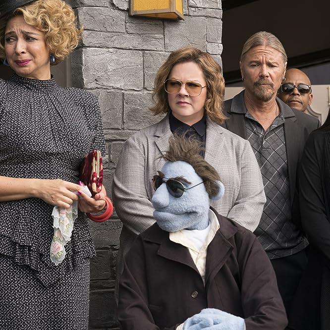 Bill Barretta, Melissa McCarthy, and Maya Rudolph in Pupazzi senza gloria (2018)