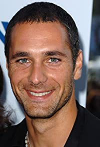Primary photo for Raoul Bova
