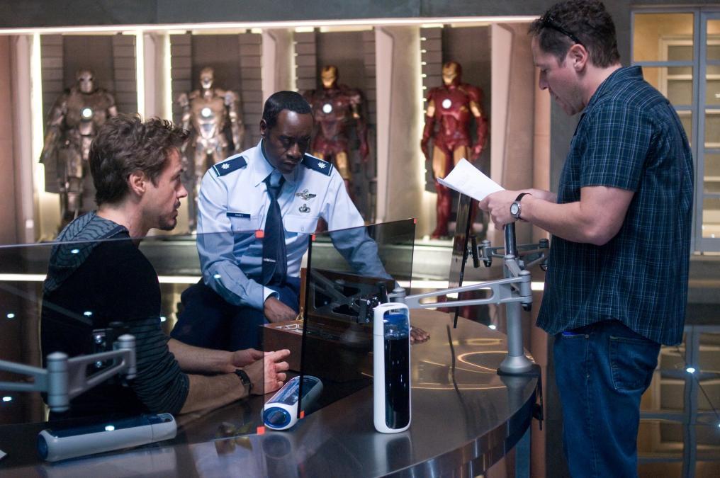 Дон Чидл, Роберт Дауни-младший и Джон Фавро в фильме Iron Man 2 (2010)