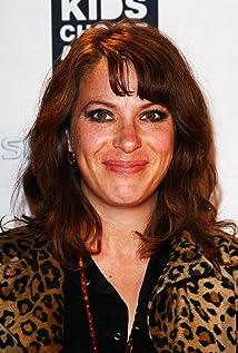 Juliet Cowan Picture