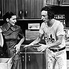 Yvon Deschamps and Hélène Loiselle in Le p'tit vient vite (1972)
