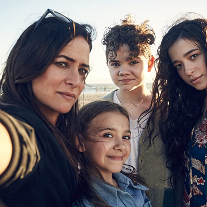 Pamela Adlon, Mikey Madison, Hannah Alligood, and Olivia Edward in Better Things (2016)