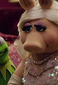 Steve Whitmire and Eric Jacobson in The Muppets. (2015)