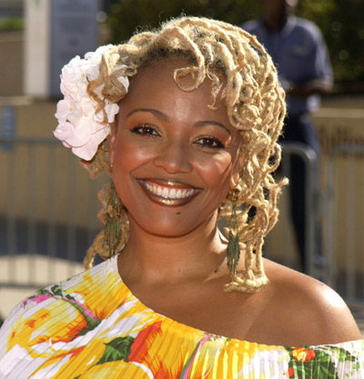The 51-year old daughter of father (?) and mother Chip Fields Kim Fields in 2020 photo. Kim Fields earned a million dollar salary - leaving the net worth at 8 million in 2020