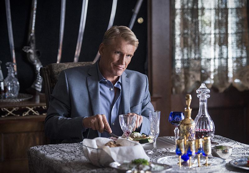 Dolph Lundgren dalam Arrow (2012)
