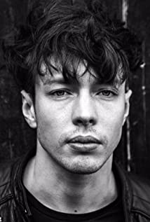 Barns Courtney Picture