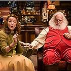 Miranda Richardson and Paul Giamatti in Fred Claus (2007)
