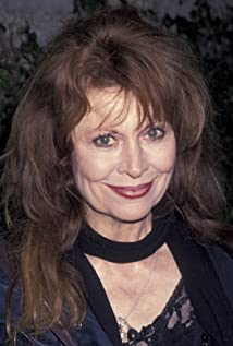 Ann Wedgeworth Picture