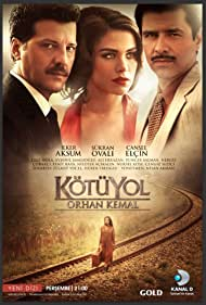 Cansel Elcin, Ilker Aksum, and Sükran Ovali in Kötü Yol (2012)