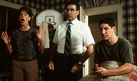 Jason Biggs, Molly Cheek, and Eugene Levy in American Pie (1999)