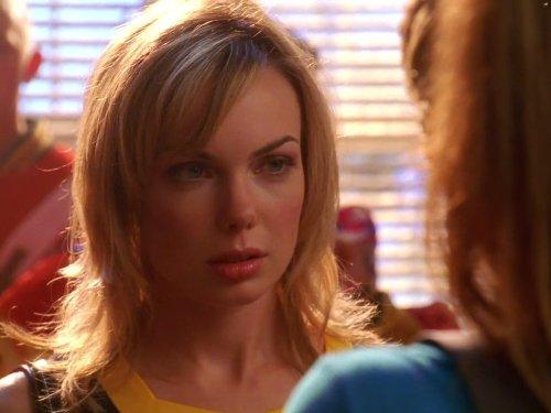 Amanda Walsh in Smallville (2001)