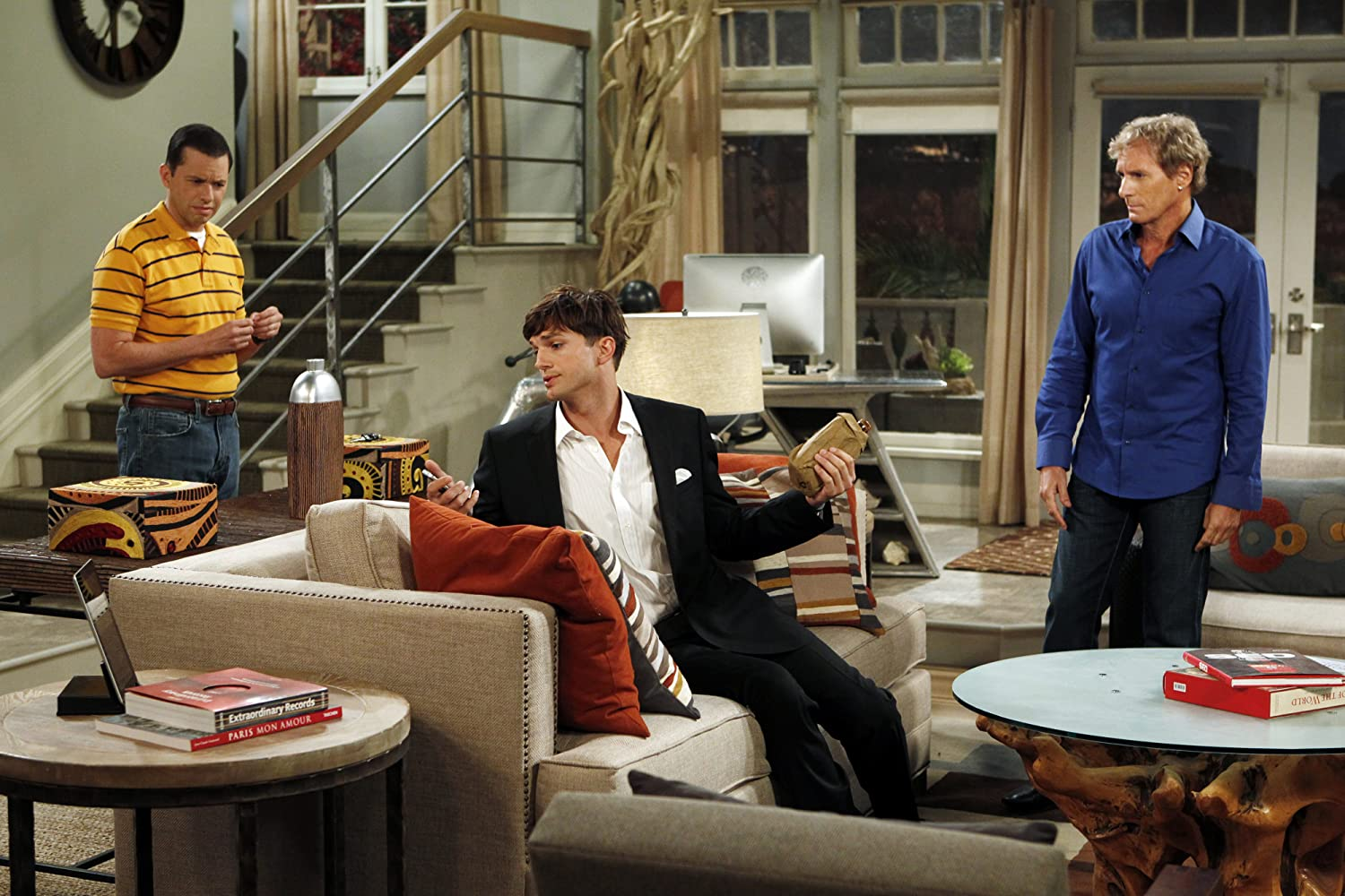 Jon Cryer, Ashton Kutcher, and Michael Bolton in Two and a Half Men (2003)