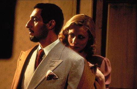 Cate Blanchett and John Turturro in The Man Who Cried (2000)