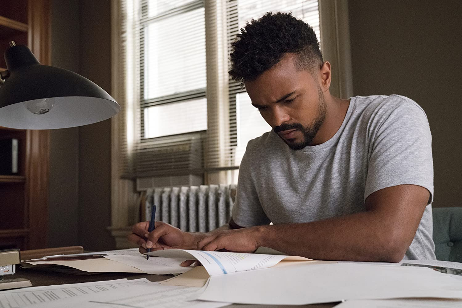Eka Darville in Jessica Jones (2015)