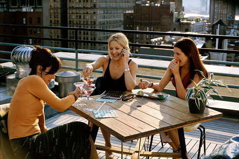 (Left to right) Annie Parisse as Jeannie, Kate Hudson as Andie and Kathryn Hahn as Michelle