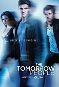 Peyton List, Luke Mitchell, and Robbie Amell in The Tomorrow People (2013)