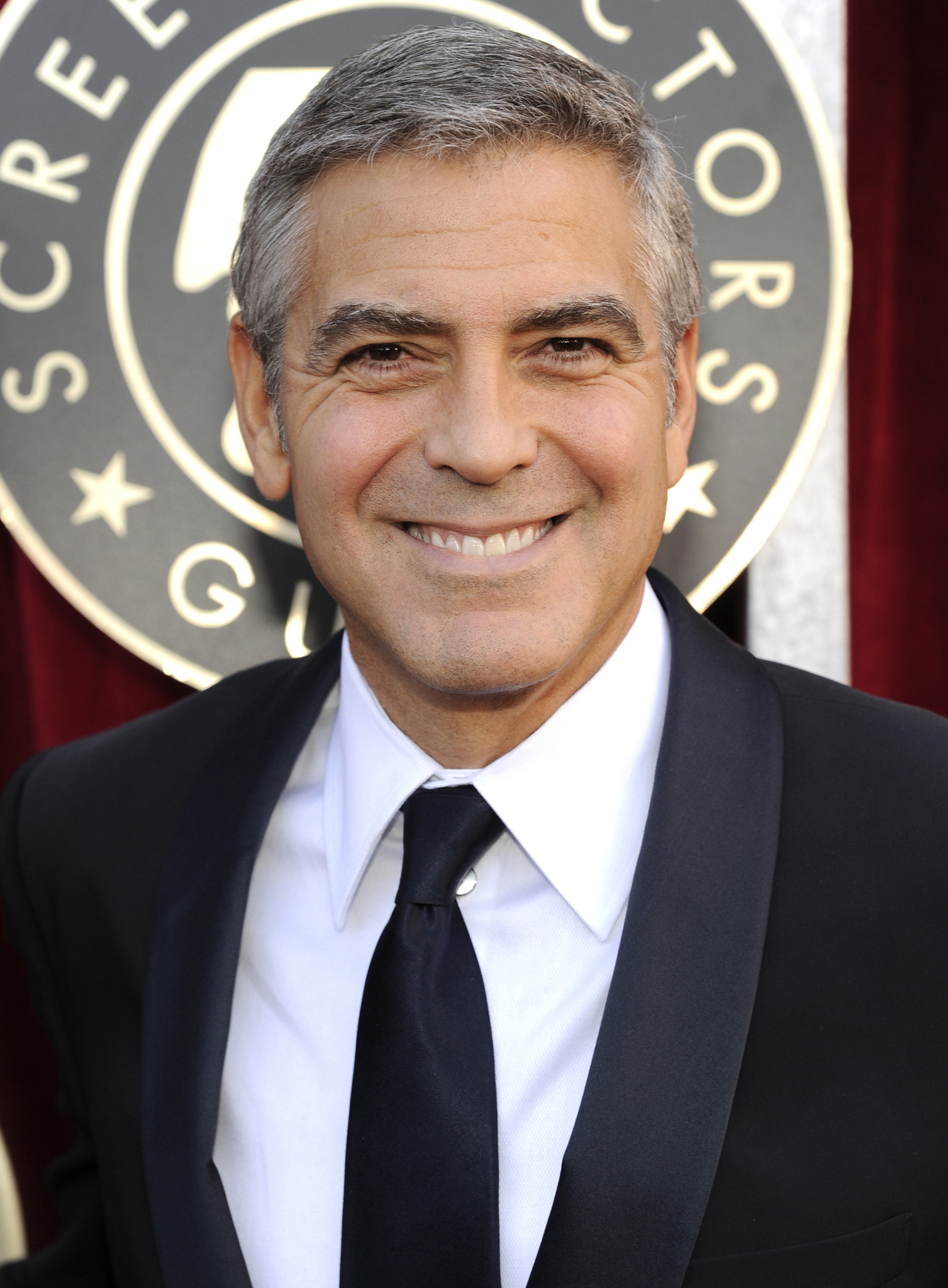 george clooney gay kiss