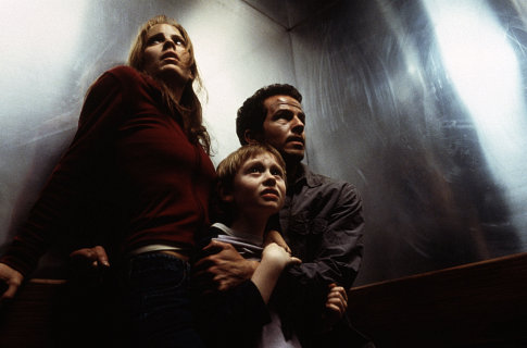 Emma Caulfield Ford, Chaney Kley, and Lee Cormie in Darkness Falls (2003)