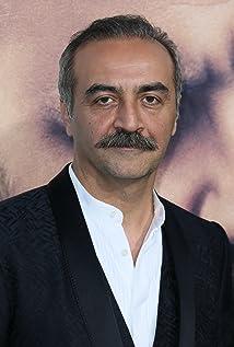 Yilmaz Erdogan Picture