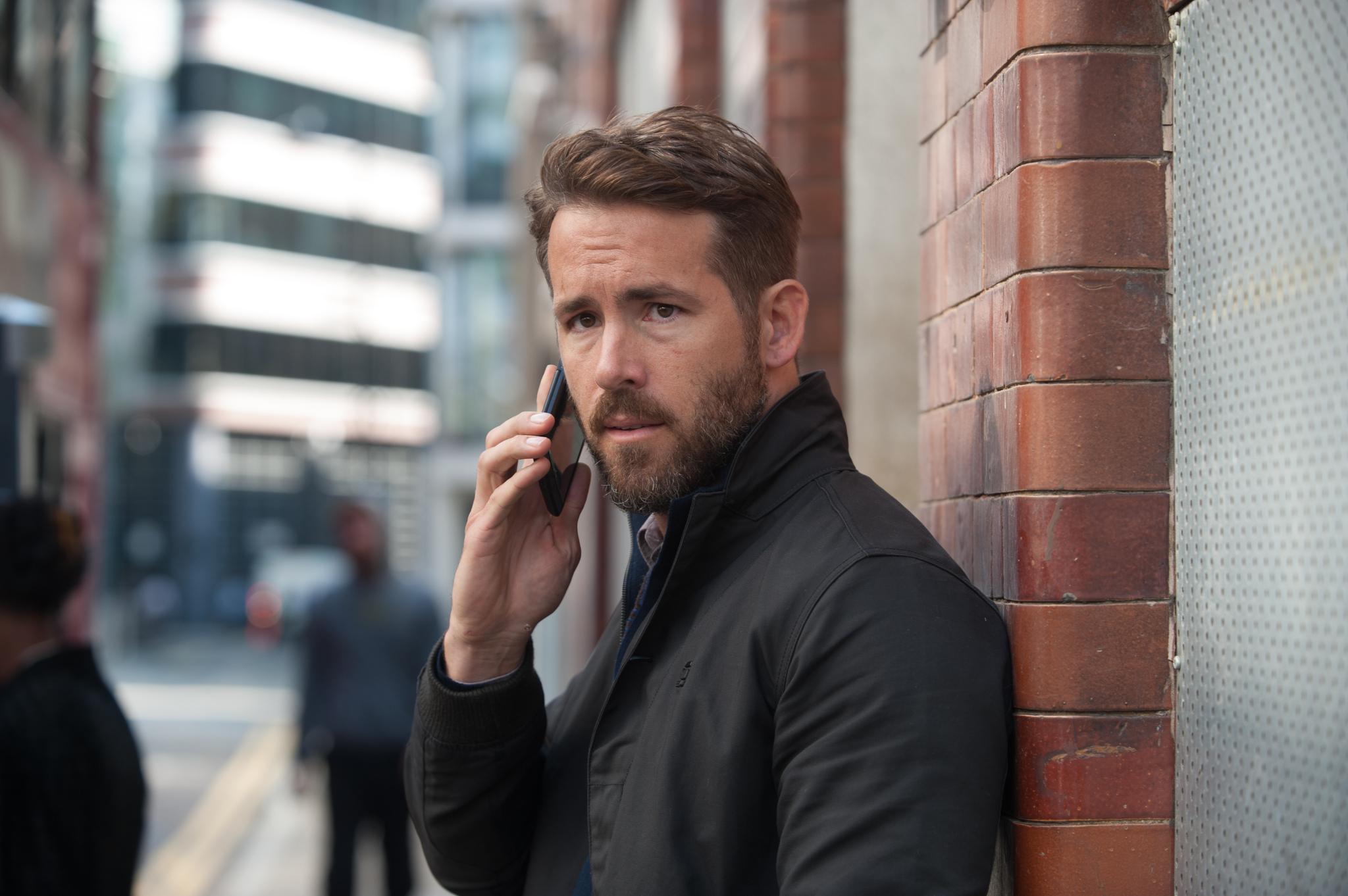 Ryan Reynolds in Criminal (2016)