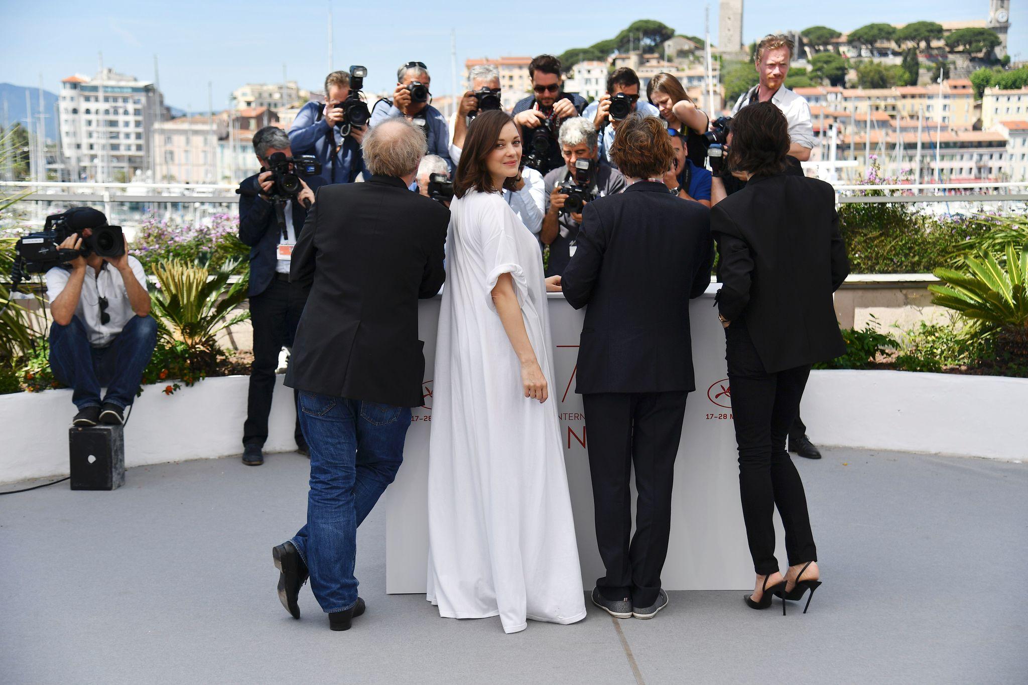 Charlotte Gainsbourg, Mathieu Amalric, Marion Cotillard, and Arnaud Desplechin